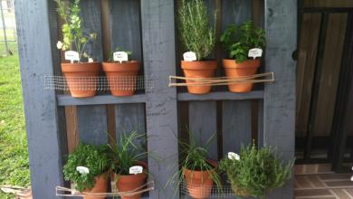 Направи си сам: цветарници от дървени палета