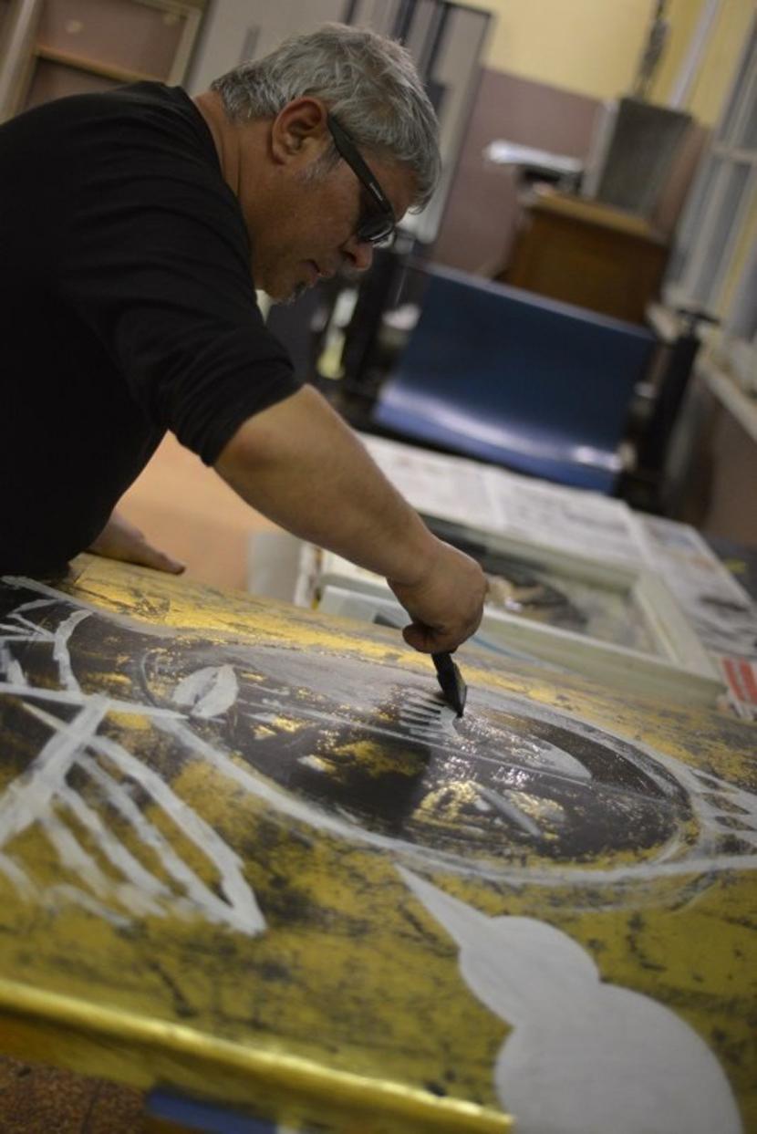 """Рисунки на Кольо Карамфилов събират артистичната бохема в """"Червената точка"""" [2/3]"""