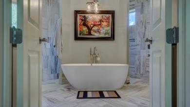 Изборът на мебели за баня – инвестиция за бъдещето