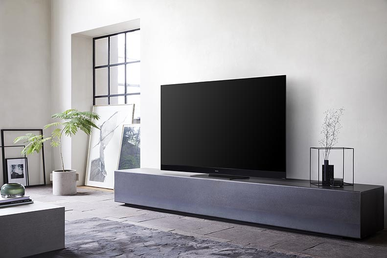 Panasonic HZ2000- новата звезда в света на телевизорите