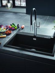 Композитните кухненски мивки Grohe са изключително издръжливи и надеждни. Характеристики като шумоизолиращата технология Grohe Whisper и автоматичния изпразнител осигуряват комфорт при всекидневните задължения. Grohe.