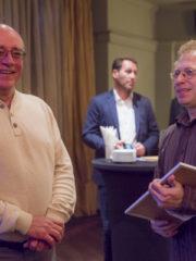 арх. Стайнов получи наградата от издателя на списанието Кънчо Стойчев