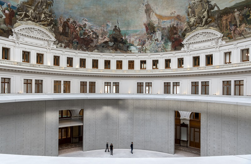 La Bourse de commerce-новият музей за съвременно изкуство в Париж